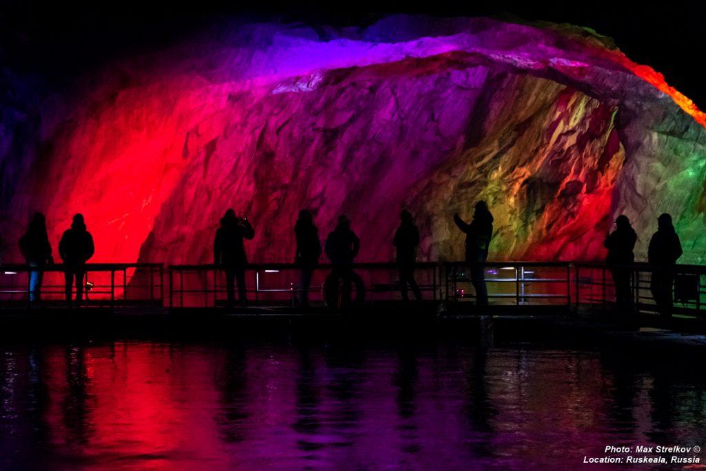 подземное озеро горного парка Рускеала